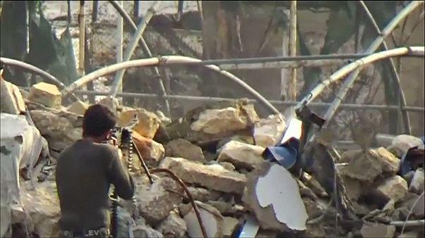 روسیه: ارتش سوریه به منظور تخلیه غیرنظامیان جنگ در حلب را متوقف کرد