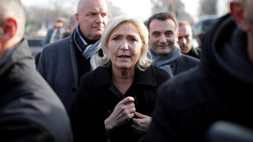 """Le Pen: """"Fim da escola gratuita para filhos dos clandestinos"""""""