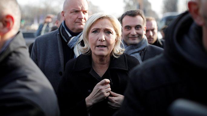 """Марин Ле Пен: """"с бесплатным образованием для детей нелегалов надо покончить"""""""