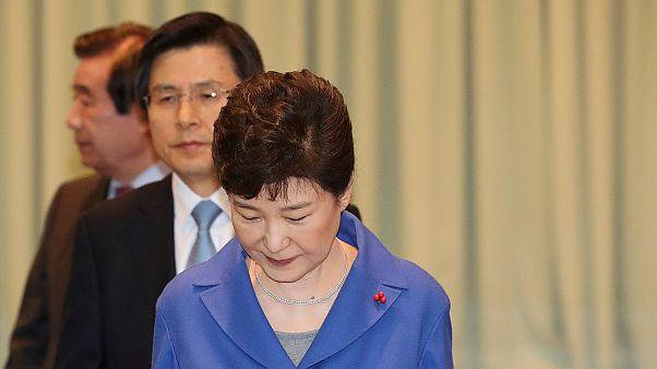Парламент Южной Кореи вынес импичмент президенту