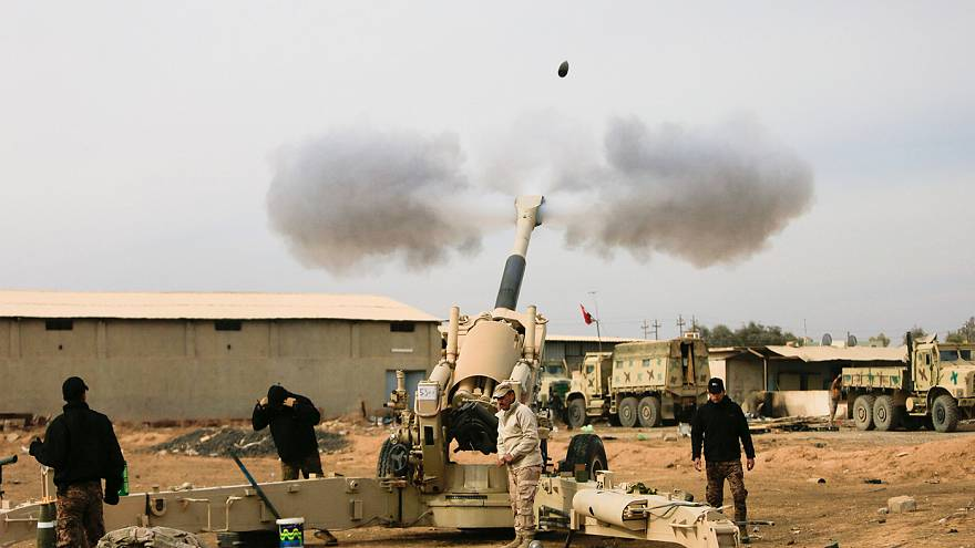 Iraqi artillery pounds ISIL targets southeast of Mosul