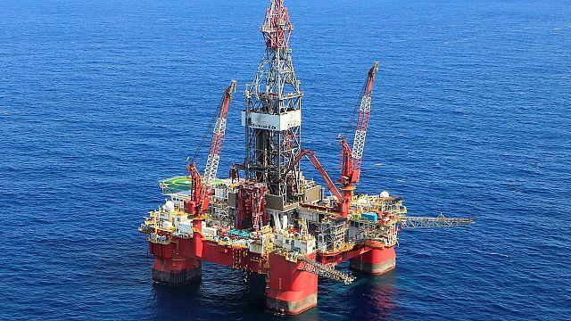 Цены на нефть сохраняют рост