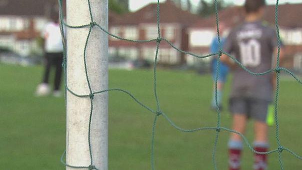 Regno Unito: si allarga l'inchiesta sulla pedofilia nel calcio