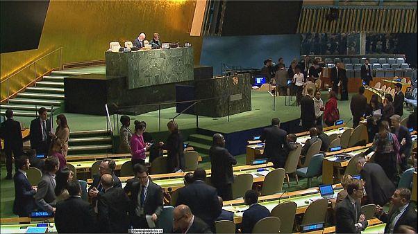 Генасамблея ООН проголосовала за прекращение военных действий в Сирии