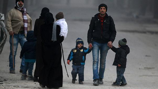 Alep : la fuite de civils freinée par les djihadistes ?