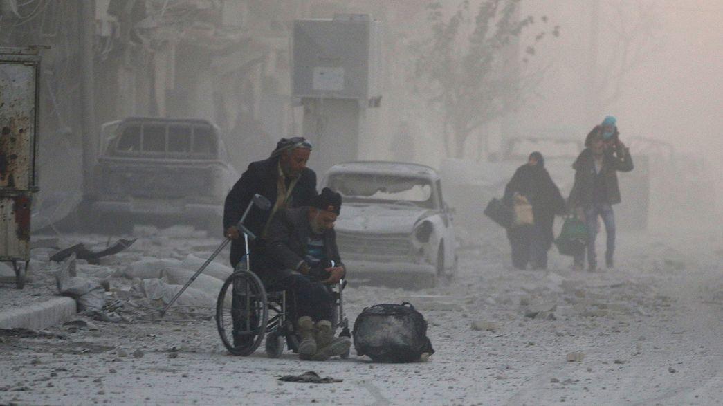 Civis continuam a abandonar leste de Alepo