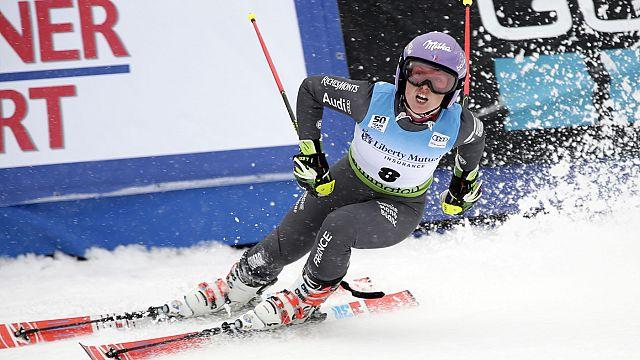 Tessa Worley vence 'slalom' gigante de Sestriere num dia radioso para o esqui francês