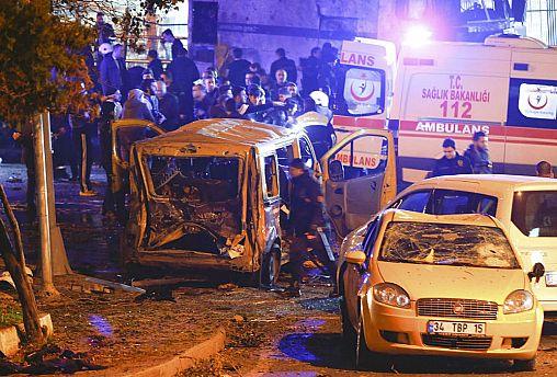 Dos explosiones cerca del estado de fútbol de Estambúl