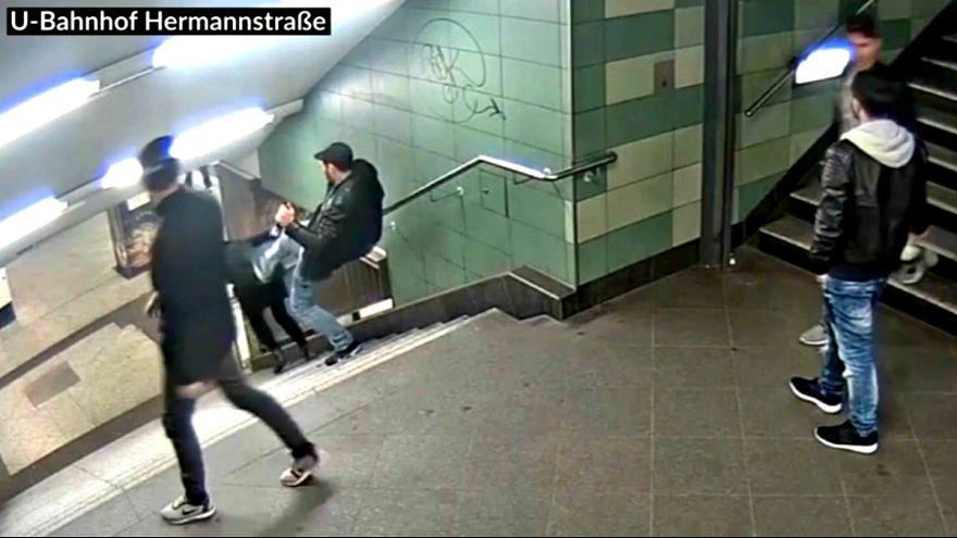 VIDEO: sokkolta Berlint a metróban történt erőszak