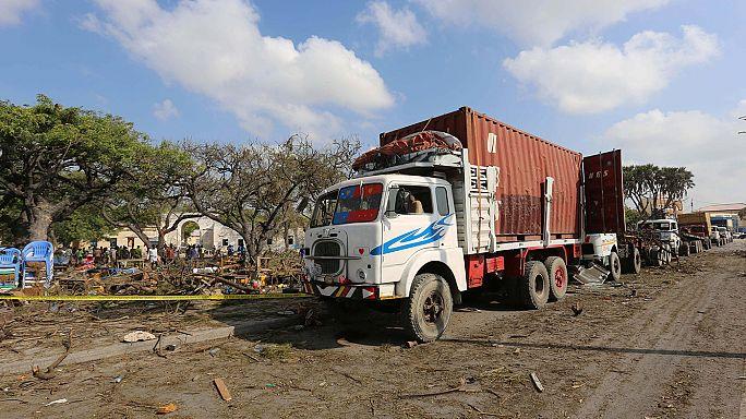 16 قتيلا ونحو 50 جريحا في انفجار شاحنة مفخَّخة في موقاديشو