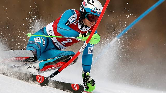 Henrik Kristoffersen gana en Val d'Isère