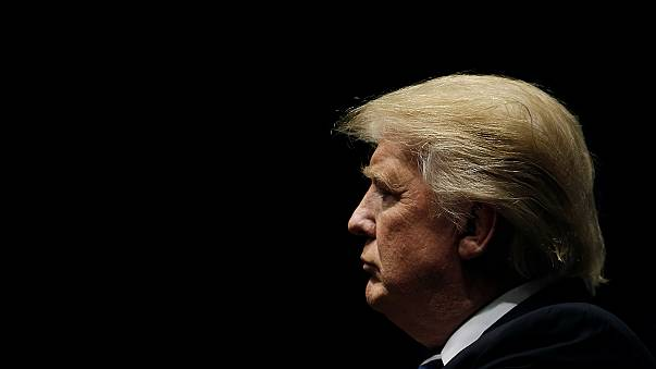 """ترامب يصف التقارير عن تدخل روسي لصالحه في الانتخابات بـ """"السخيفة"""