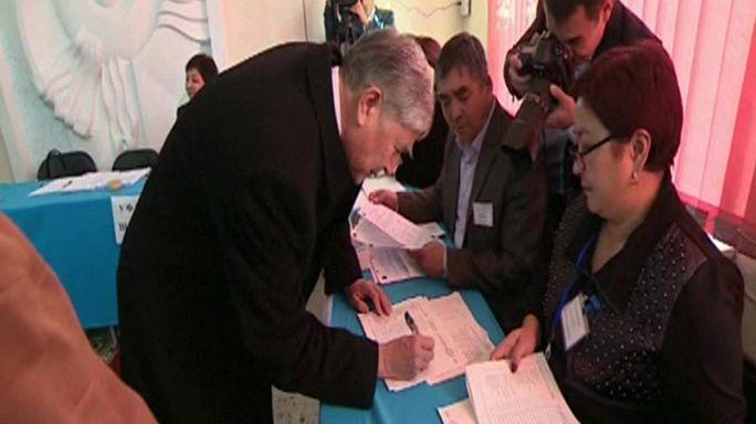 A kirgiz elnök hatalomátmentését készítheti elő a referendum