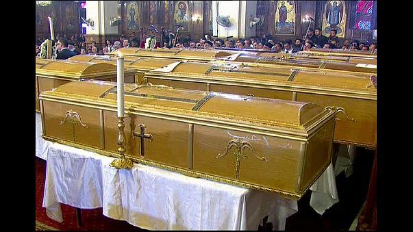 Mısır'daki eylemde hayatını kaybedenler son yolculuklarına uğurlandı