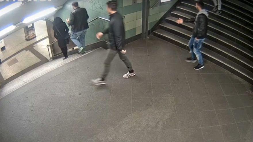 Nach U-Bahn-Attacke in Berlin: Wilde Gerüchte und eine heiße Spur