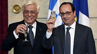 Σε θερμό κλίμα η συνάντηση Παυλόπουλου- Ολάντ στο Παρίσι