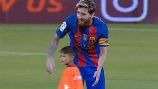 Lionel Messi a rencontré son fan afghan à Doha au Qatar