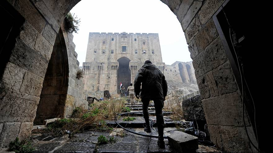 Halep'te tahliyeler ertelendi