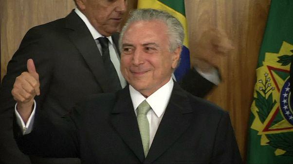 Бразилия. Протесты после одобрения Сенатом сокращения госрасходов