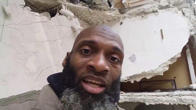 Doğu Halep'te sıkışan siviller seslerini sosyal medyadan duyurmaya çalışıyor