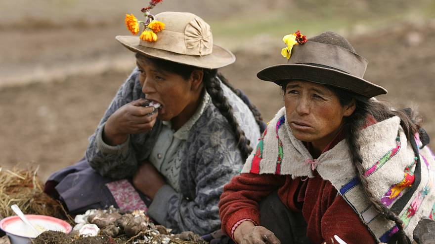 El quechua hace historia en la tele peruana