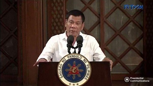 """Duterte reconoce que ha patrullado las calles personalmente para """"matar criminales"""""""
