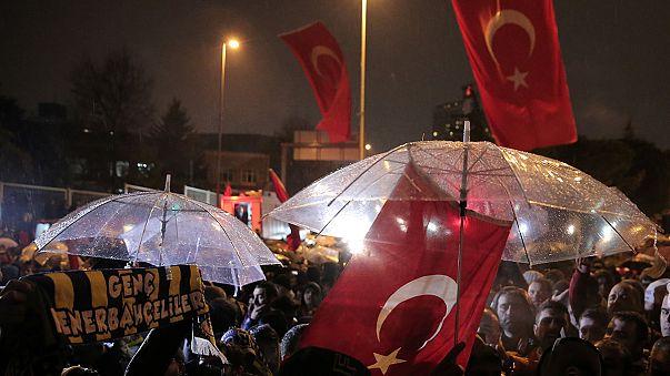 مئات الاعتقالات في تركيا على خلفية هجمات يوم السبت الدامية