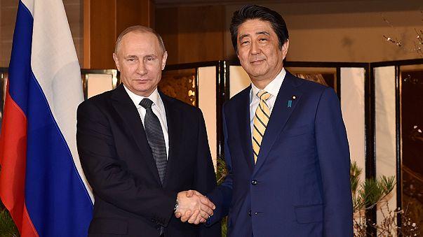 Tokio: Putin und Abe erörtern Kurilen-Konflikt
