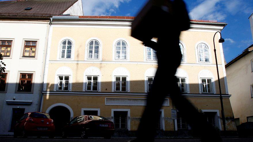 Австрия: парламент одобрил конфискацию дома, где родился Гитлер