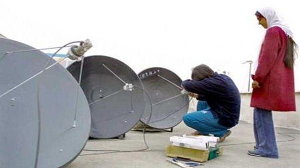 تلویزیون ماهوارهای و اینترنت در ایران؛ ارتباطات و پیامدها