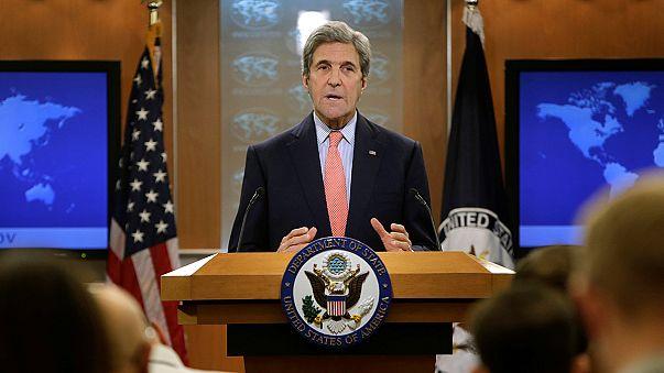 """Síria: Kerry denuncia """"massacre"""" em Alepo e Erdogan diz-se disposto a acolher refugiados"""