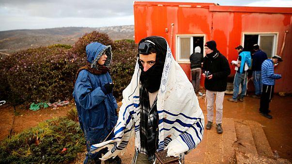 Cisjordânia: colonos de Amona preparam-se para resistir a ordem de evacuação