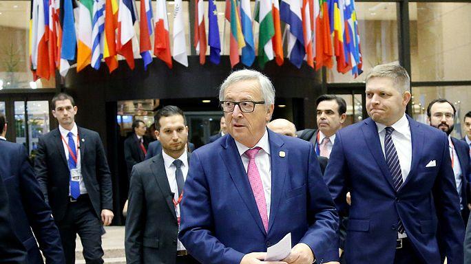 Кризисы и трещины в ЕС. Давление на Россию. Эмоции Шульца