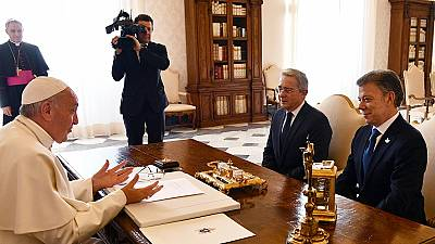 Le pape a réuni le président colombien et Alvaro Uribe au Vatican