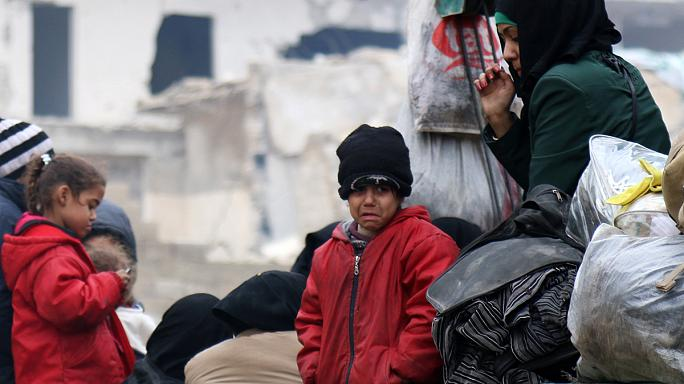 Halep'te siviller kıskaç altında
