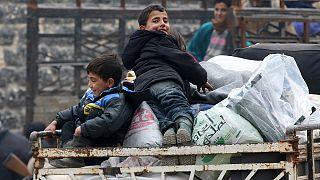 Эвакуация людей из восточных кварталов Алеппо возобновлена