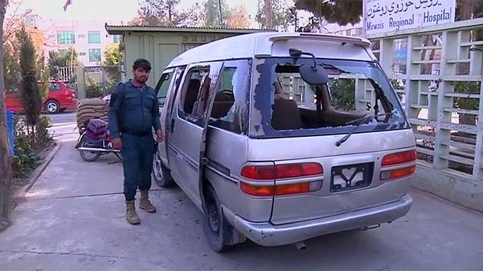 Funcionárias do aeroporto de Kandahar abatidas a tiro