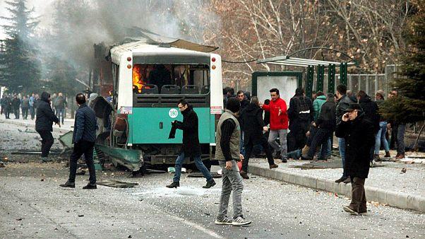 الرئيس التركي يتهم حزب العمال الكردستاني بعملية التفجير بمدينة قيصري