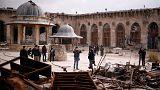 Siria: Damasco mostra che ora Aleppo è sicura, ma in migliaia sono ancora intrappolati
