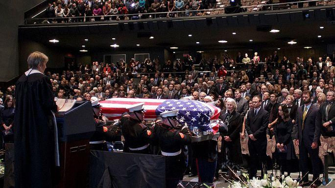 طقوس جنائزية كبيرة لعالم الفضاء الأمريكي الراحل جون غلين في كولومبس