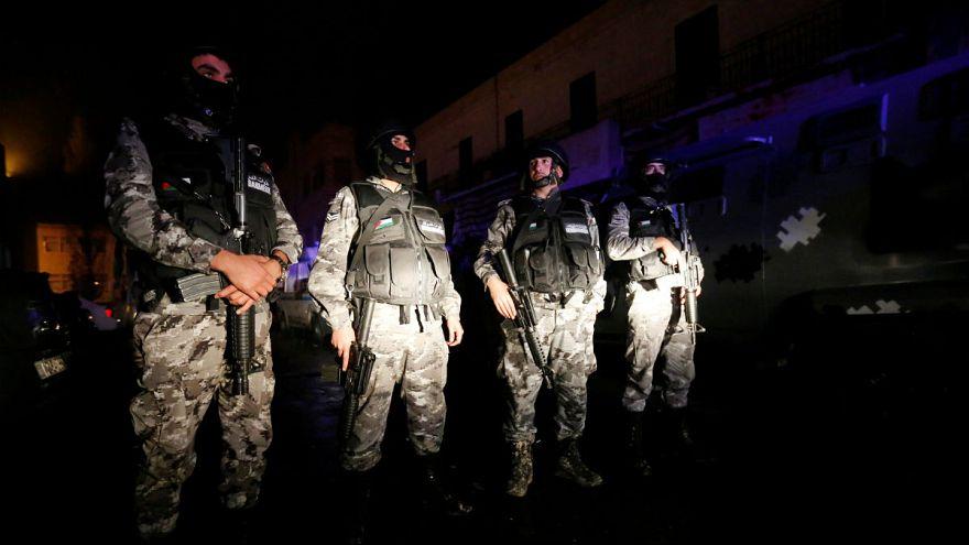 Angriffe auf Polizisten in Jordanien: Zehn Menschen getötet
