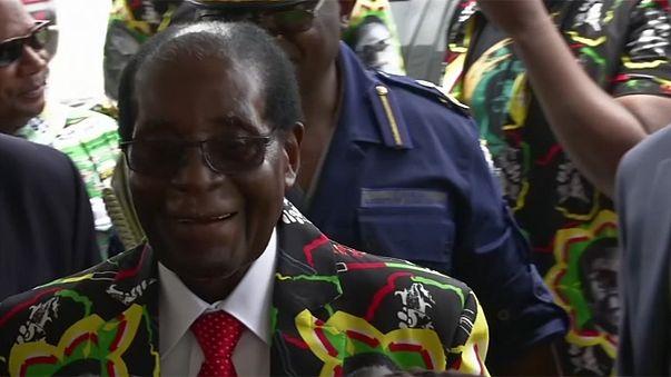Zimbabve'nin 92 yaşındaki Cumhurbaşkanı Mugabe yeniden aday
