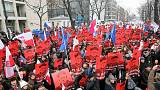 Polónia: terceiro dia consecutivo de manifestações anti-governo