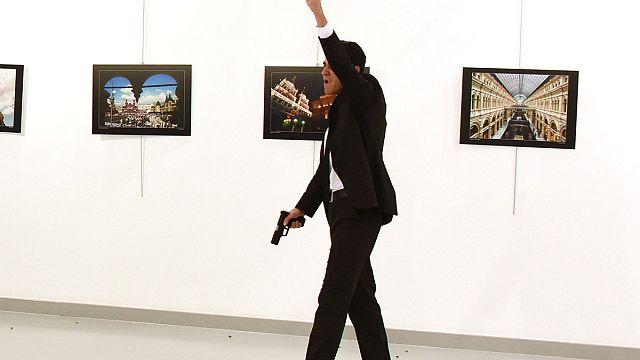 Посол России в Турции стал жертвой вооружённого нападения
