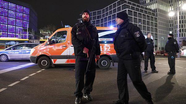 """El ministro del Interior alemán dice que """"hay muchas razones para pensar"""" en un atentado"""