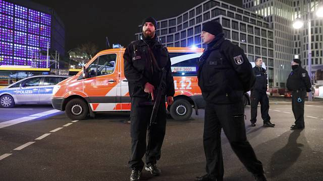 Berlin truck crash: 'early indications point to attack' - German Interior Minister