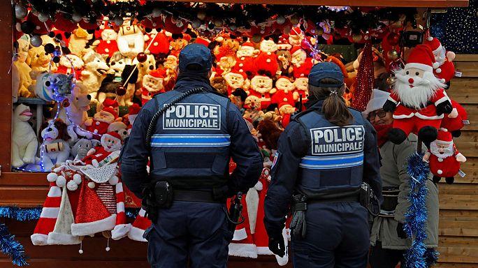 Minden köztér tele van rendőrökkel Európában