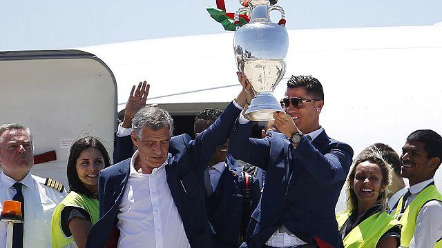 Греция отметила Сантуша за Евро-2016