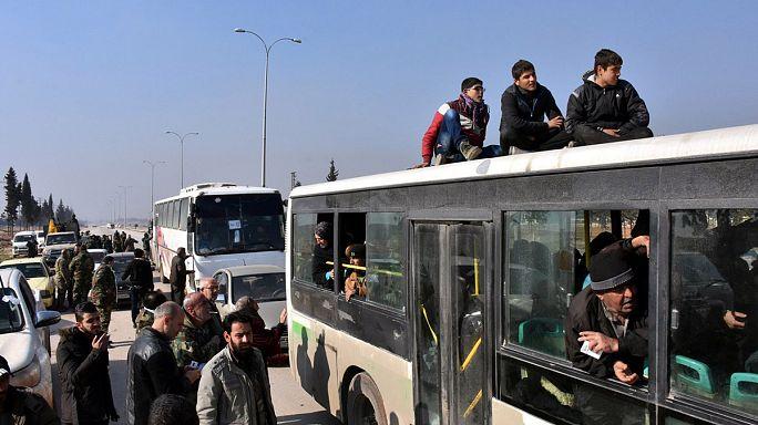 Halep'te tahliye işlemleri sürüyor