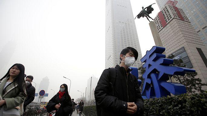 """Ao 6.° dia de """"guerra"""" contra a poluição, China sacrifica indústria e até churrascos"""